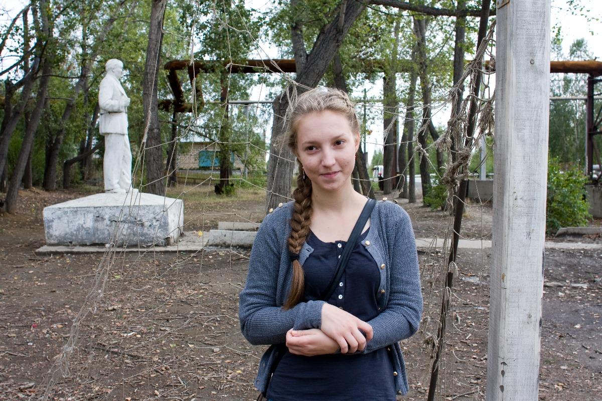 """""""Мечтаю побывать на море. Не понимаю свою старшую сестру: она училась в институте в Челябинске, а потом вернулась к нам. Я бы не возвращалась""""."""